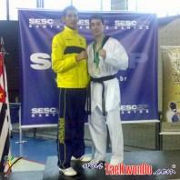 2010-10-28_(18160)x_masTaekwondo_Ecuador-en-Brasil-Open_500_03