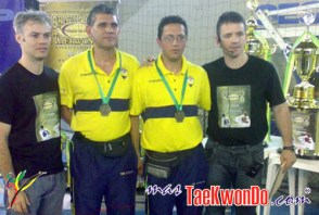 2010-10-28_(18160)x_masTaekwondo_Ecuador-en-Brasil-Open_500_04
