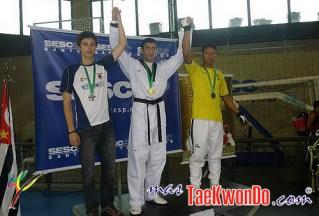 2010-10-28_(18160)x_masTaekwondo_Ecuador-en-Brasil-Open_500_08