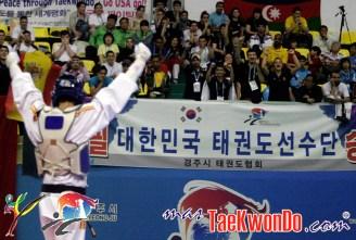 2011-05-02_(25250)x_Joel-González_campeon-Mundial-de-Taekwondo_02