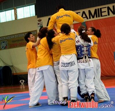 2011-08-30_(31157)x_Record Guinness Taekwondo-Yair_03