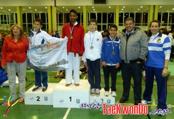podium cadete masculino -45kg