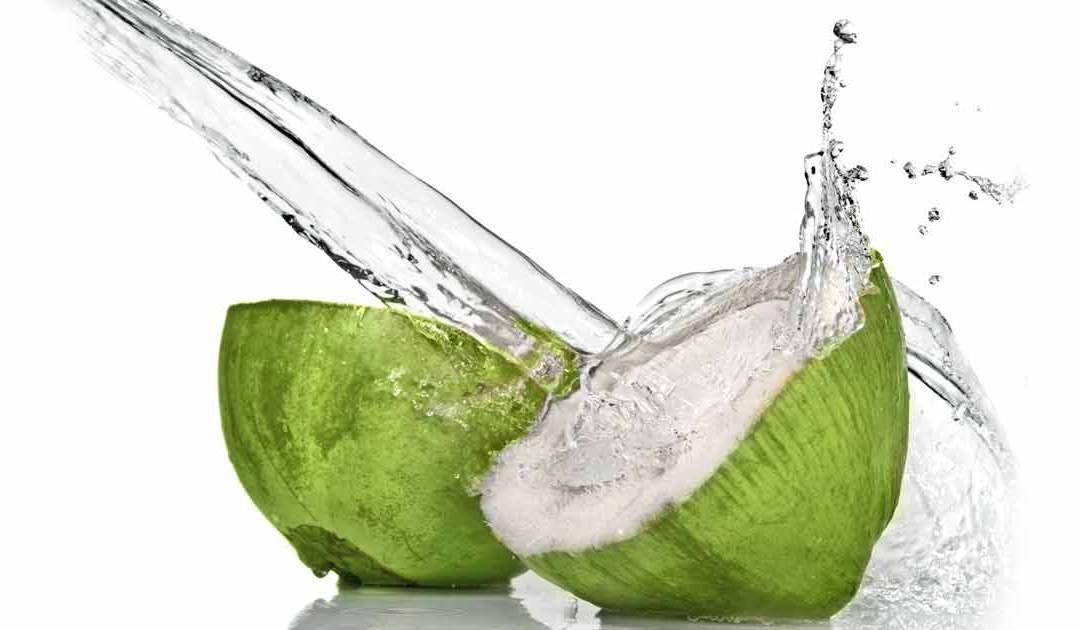 WODA KOKOSOWA – naturalny napój dla aktywnych