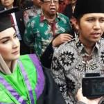 Perjalanan Arumi, Isteri Wagub Jatim Raih Sarjana di IAIN Tulungagung