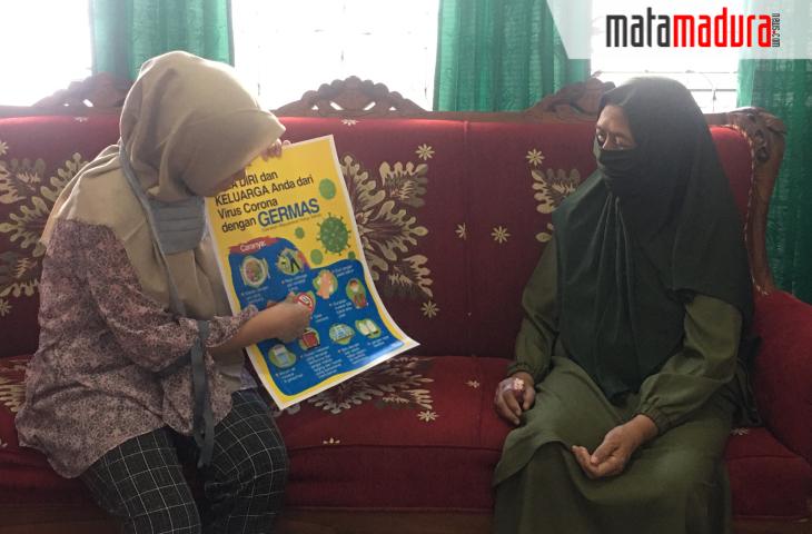 Lawan Covid-19, Kelompok 25 PMM UMM Ajarkan Warga Dusun Tegal Sari Menghadapi Era New Normal