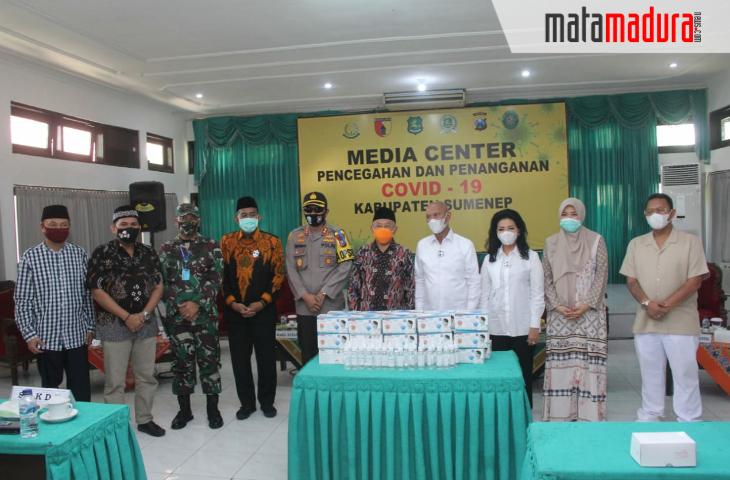 Bantu Pemkab Sumenep Tangani Covid-19, Ketua Banggar DPR RI Grojok 500 Juta Lebih