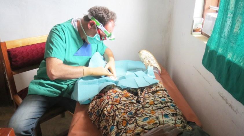 Chirug Dr. Thomas Stockhausen besucht Matanana