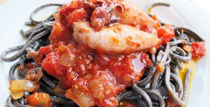 Calamare og pasta