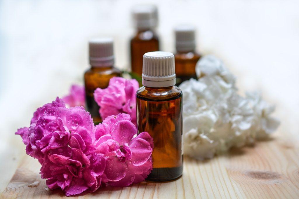 Des huiles essentielles pour vos cheveux