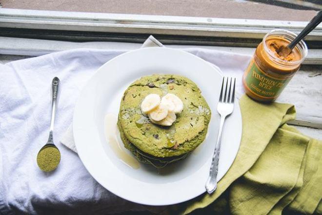 Pumpkin pie matcha pancakes
