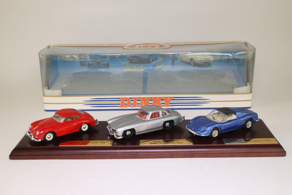 DY902 - Classic Sports Cars