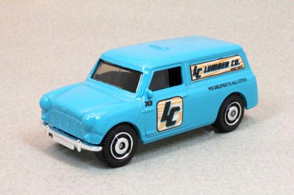 MB713-19 : 1965 Austin Mini Van
