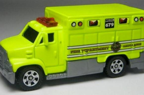 MB679-14 : Ambulance