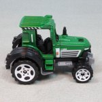 MB703-04 : Tractor