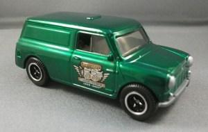 Matchbox MB713 : Austin Mini Van