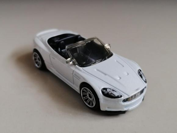 Matchbox MB823-A : Aston Martin DBS Volante