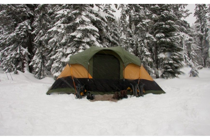 FIVE TIPS FOR CAMPING IN THE SNOW