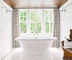 Adorable mosaic marble shower tile for your bathroom 10