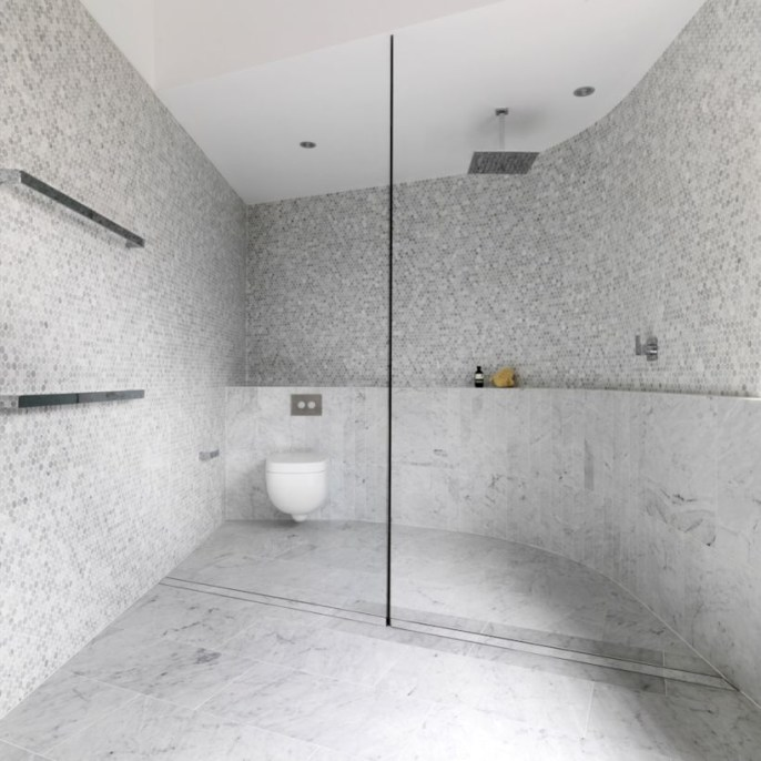 Adorable mosaic marble shower tile for your bathroom 22