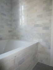 Adorable mosaic marble shower tile for your bathroom 29