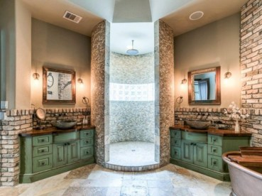 Amazing doorless shower design ideas 17