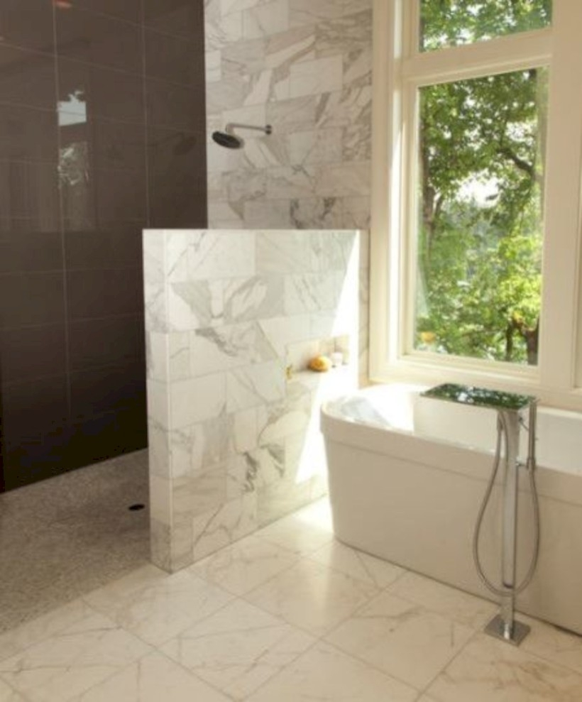 Amazing doorless shower design ideas 31