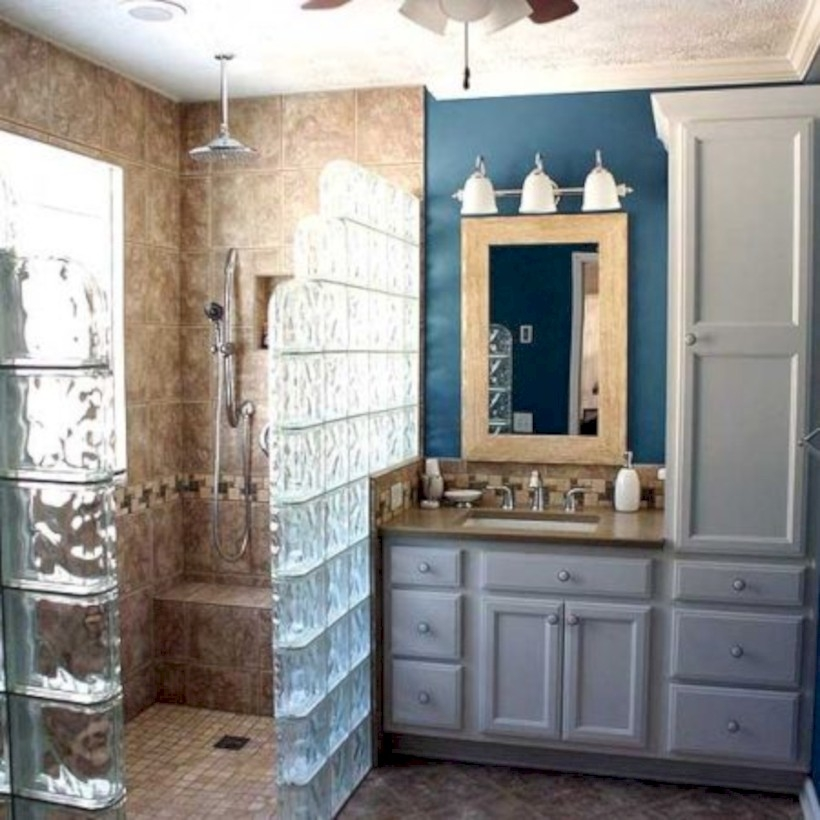 Amazing glass brick shower division design ideas 01