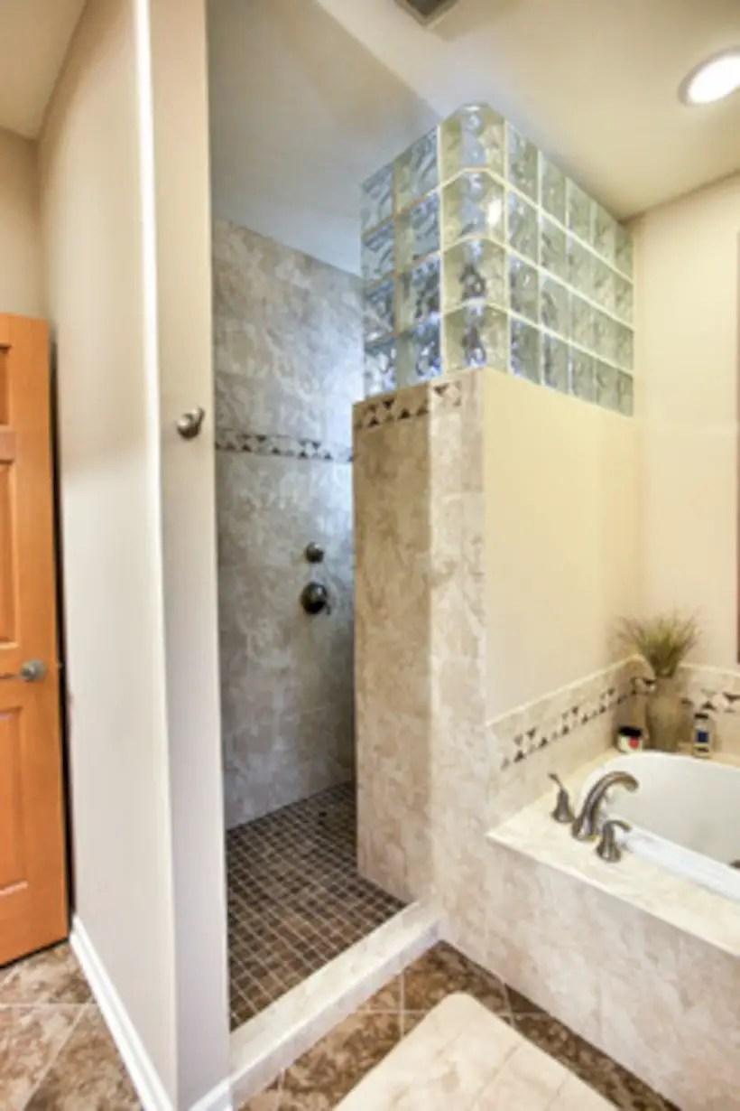 Amazing glass brick shower division design ideas 25