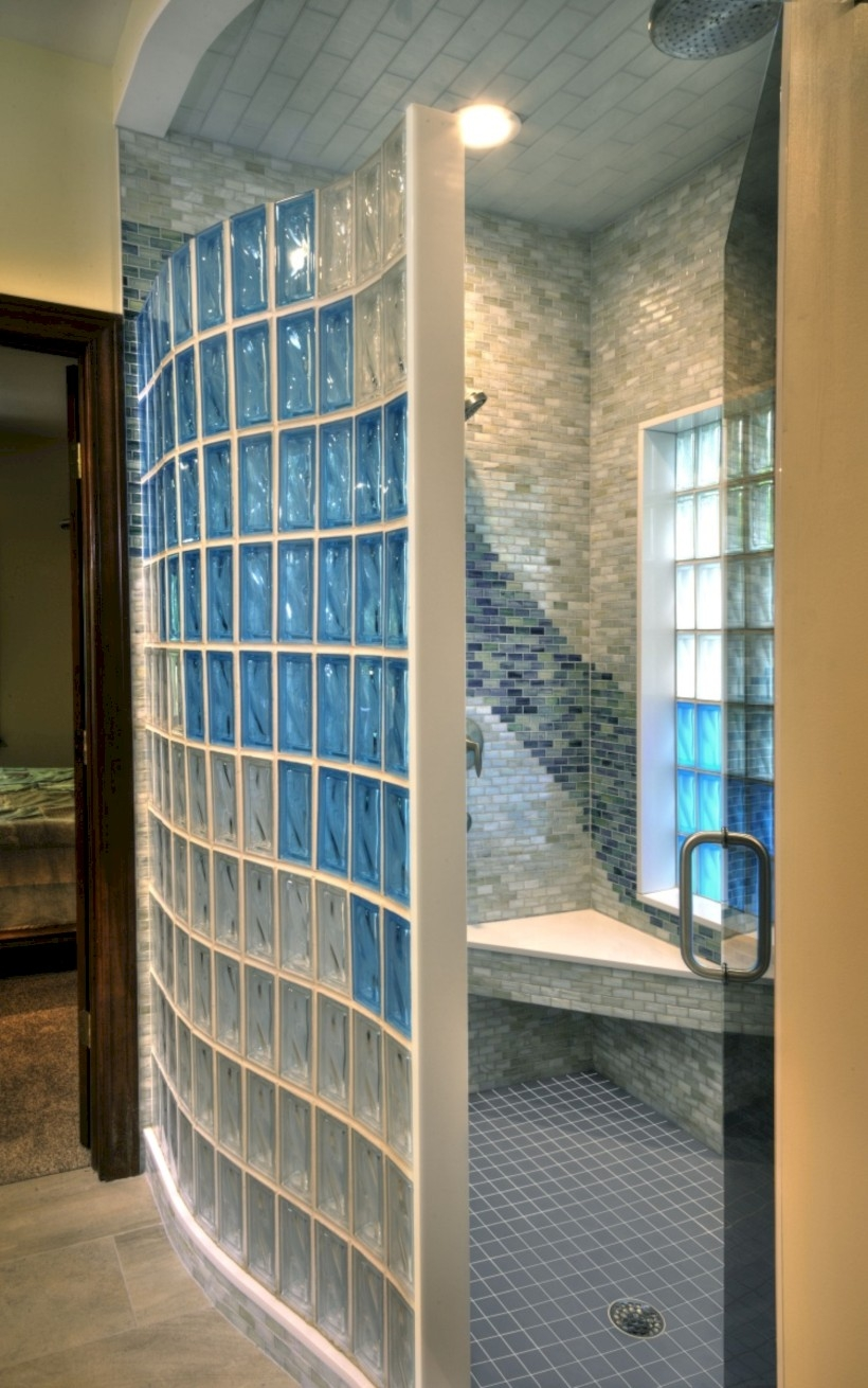 41 amazing glass brick shower division design ideas for Glass bricks designs