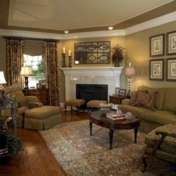 Beautiful living room design ideas with mirror 16