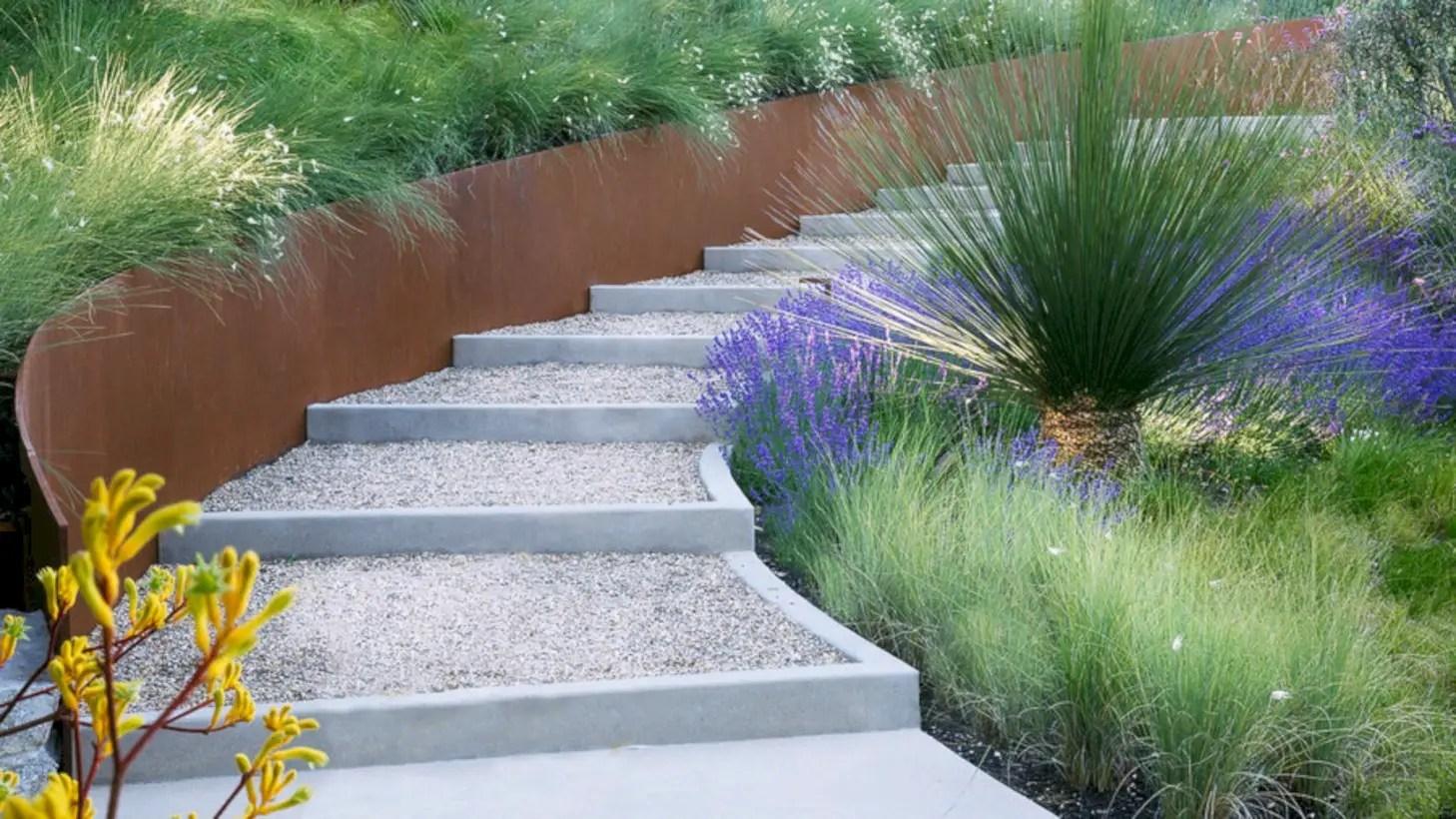 Best garden walkway to envy your visitor 14
