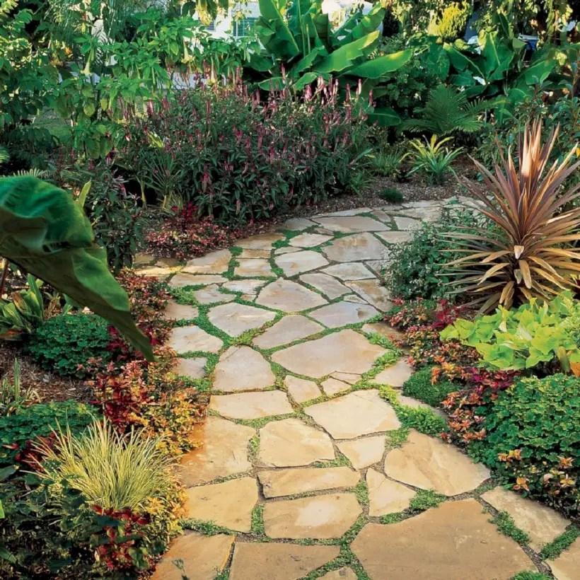 Best garden walkway to envy your visitor 22