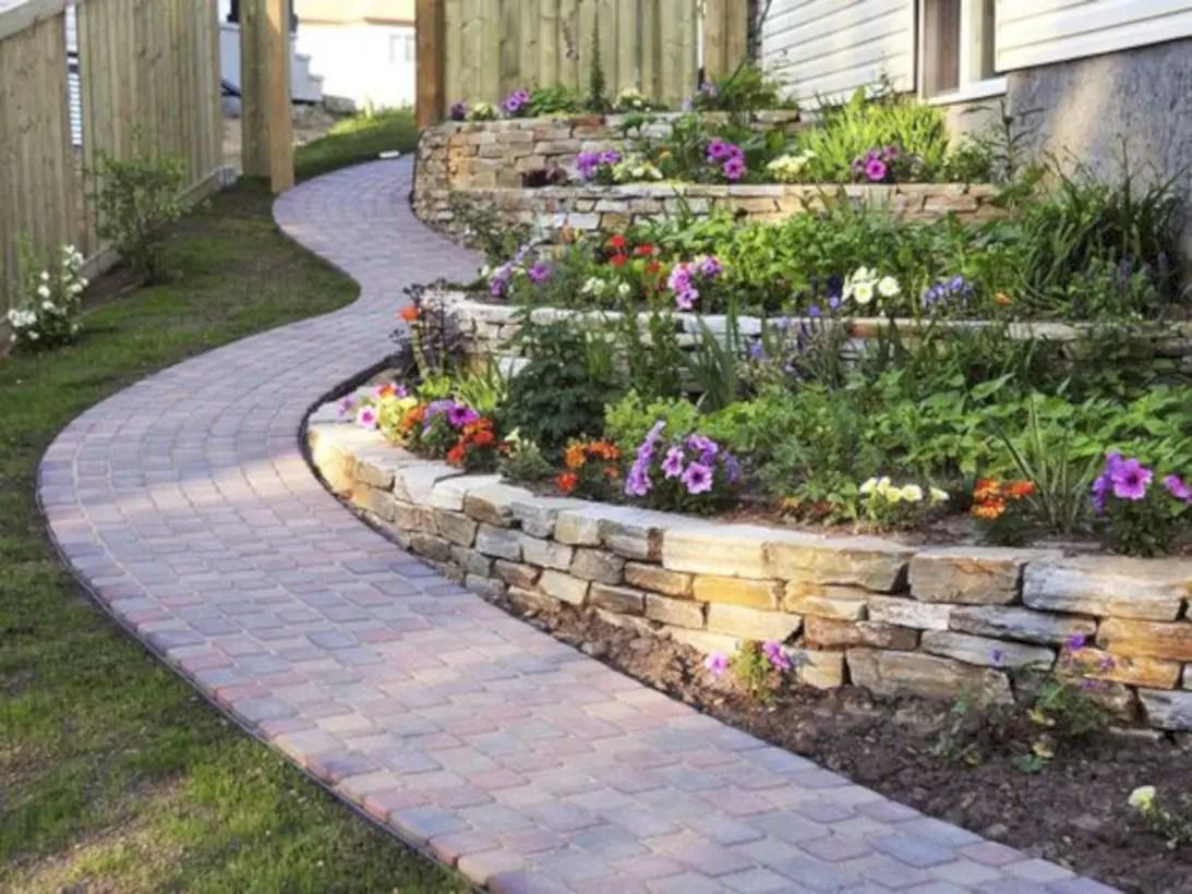 Best garden walkway to envy your visitor 42