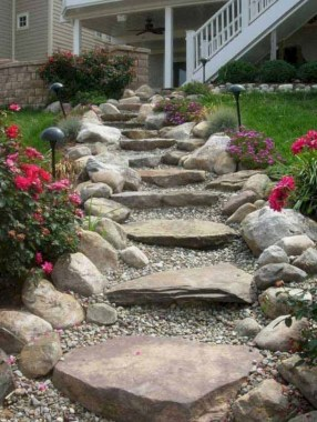 Best garden walkway to envy your visitor 45