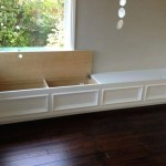 Built-in bench for your basement design ideas 02