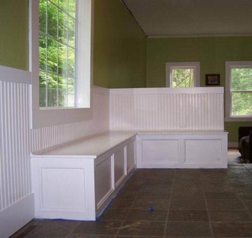 Built-in bench for your basement design ideas 03