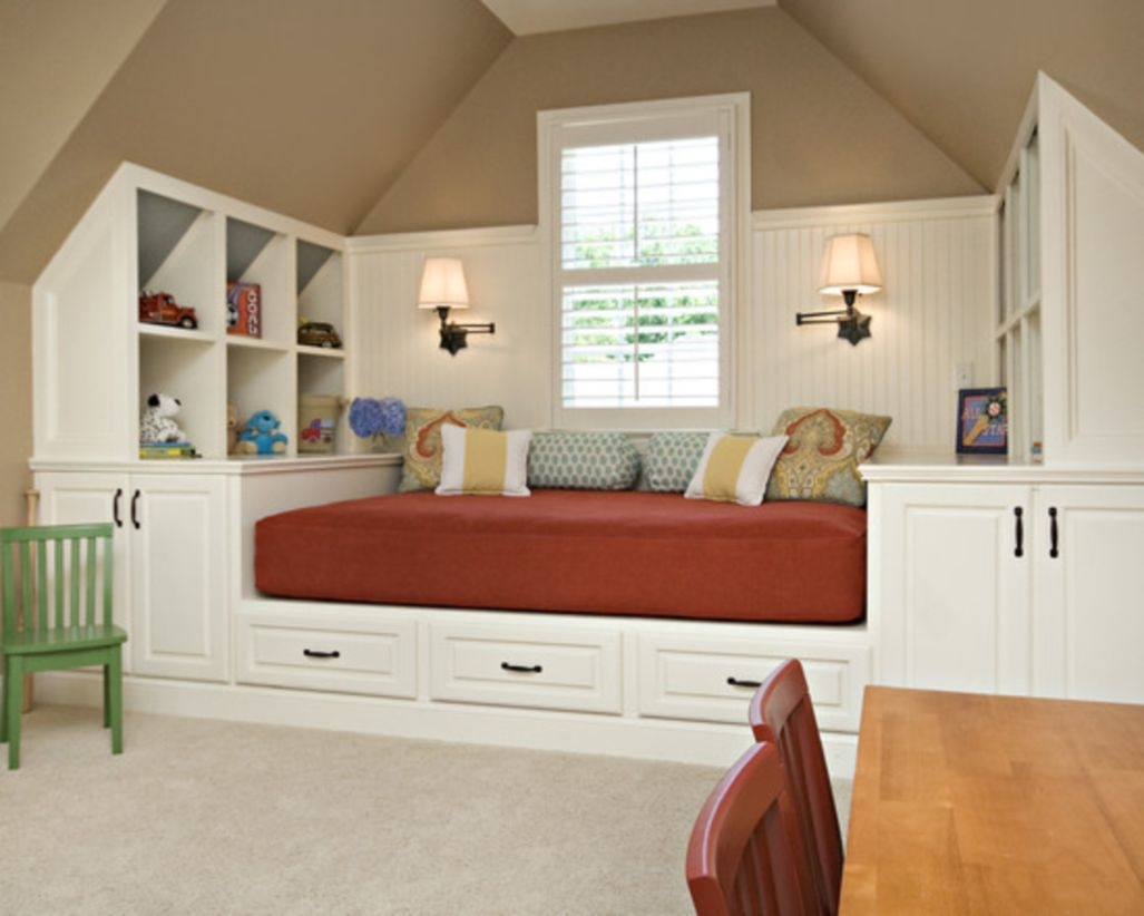 Built-in bench for your basement design ideas 22