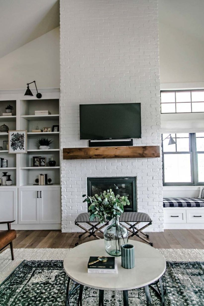 Built-in bench for your basement design ideas 24