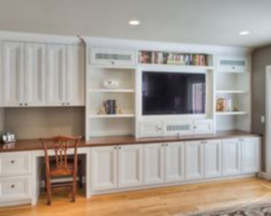 Built-in bench for your basement design ideas 37
