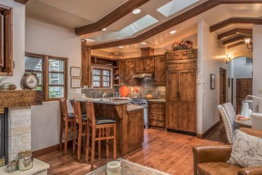 Charming custom kitchens cabinets designs 11