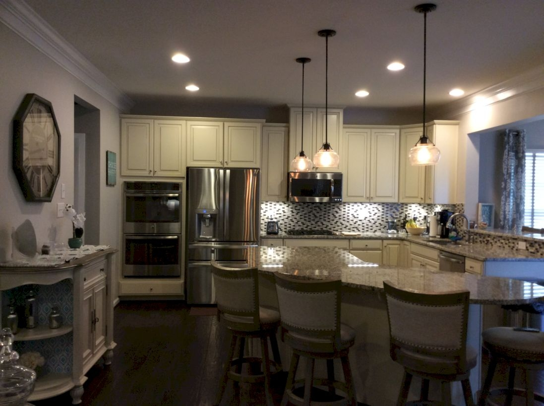 Charming custom kitchens cabinets designs 16