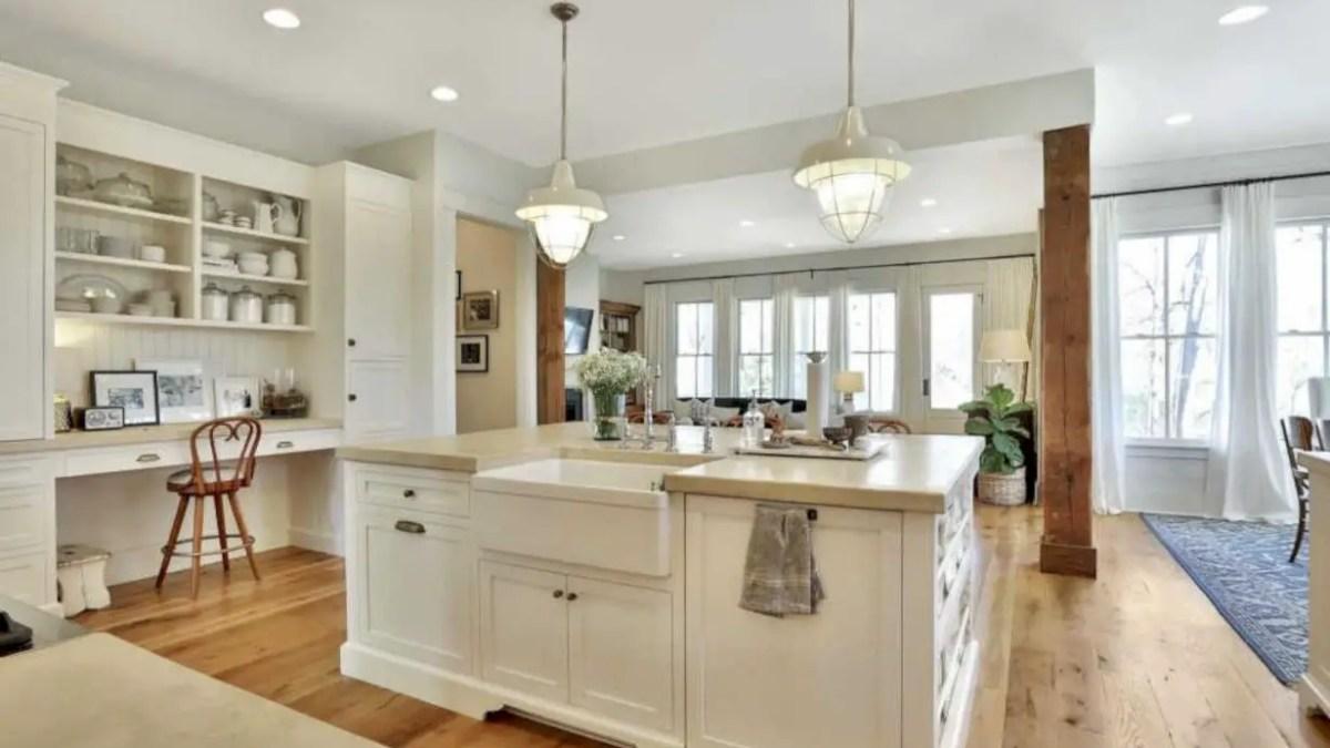 44 Charming Custom Kitchens Cabinets Designs
