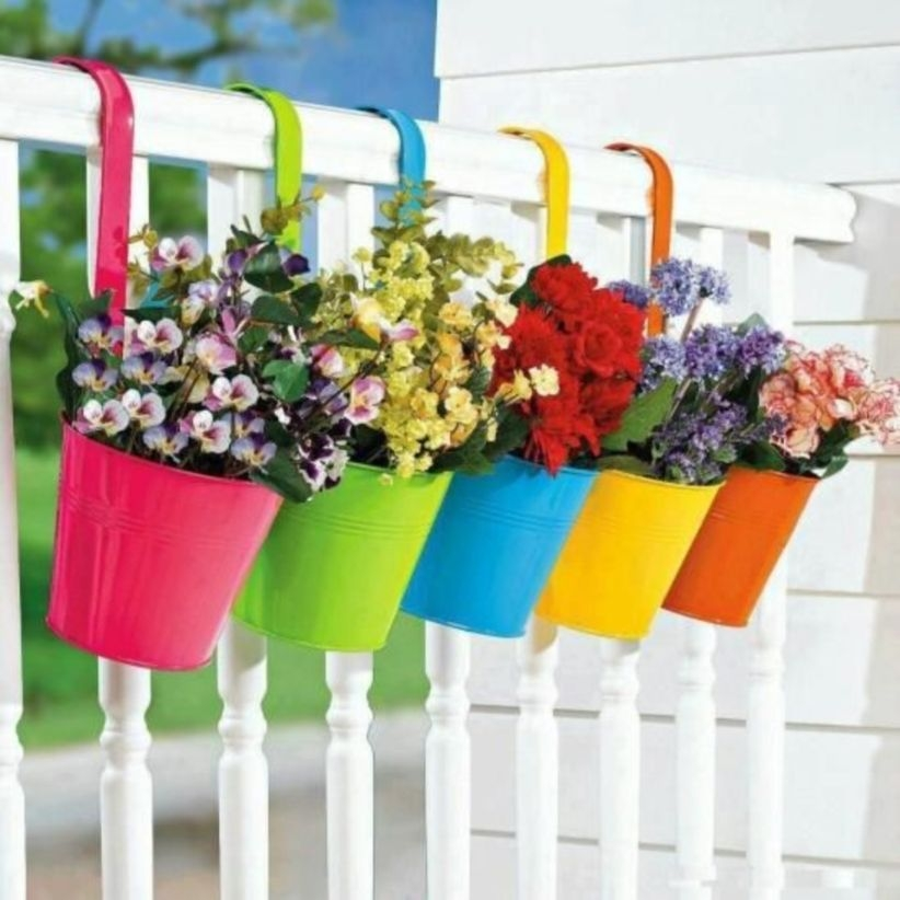 43 Charming Outdoor Hanging Planters Ideas to Brighten Your Yard