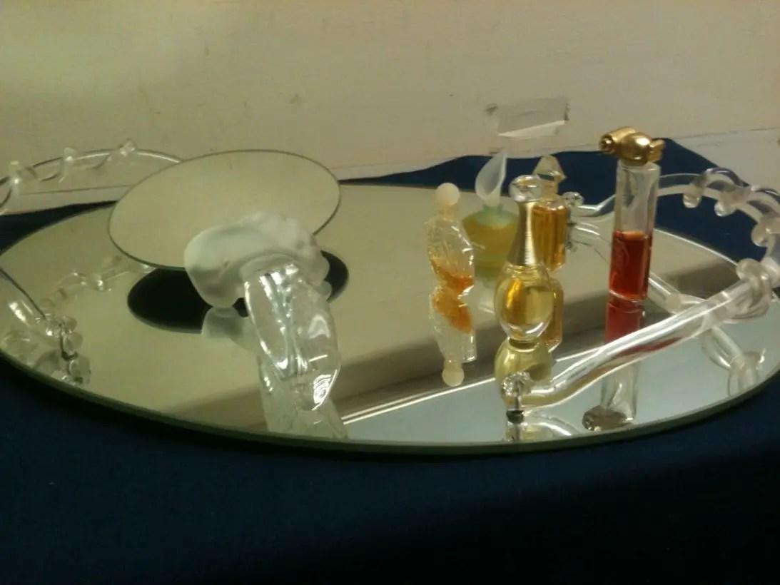 Easy diy footed vanity tray 27