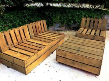 Easy pallet furniture projects for beginners 13