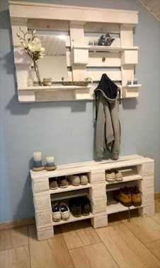 Easy pallet furniture projects for beginners 44