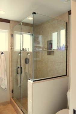 Half wall shower for your small bathroom design ideas 09