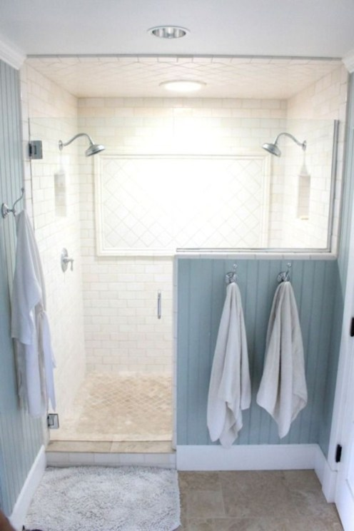 Half wall shower for your small bathroom design ideas 37