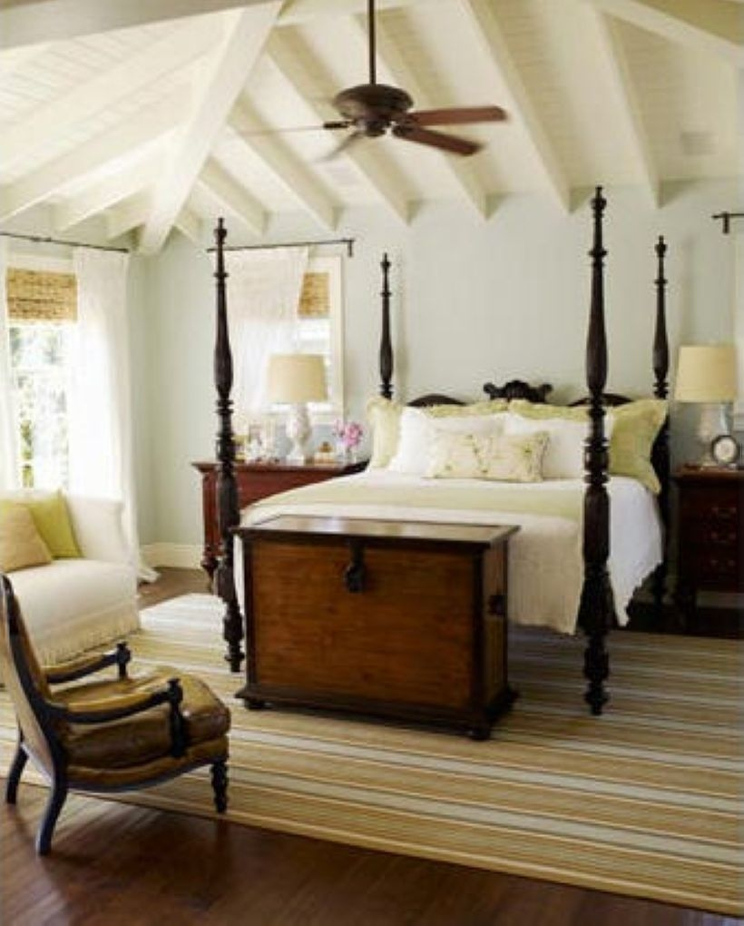 High ceilings accent wall with traditional and classic look 47