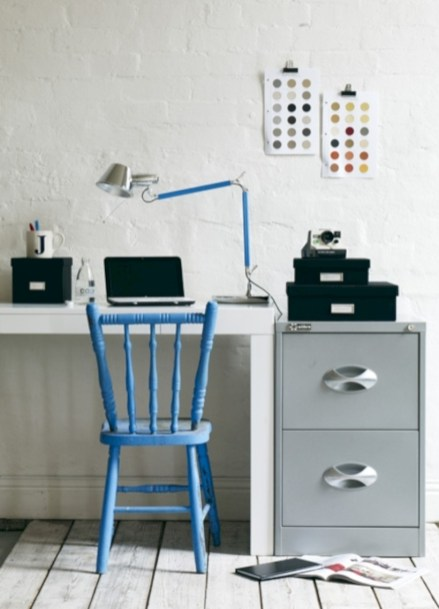 Neat and clean minimalist workspace design ideas for your home 28
